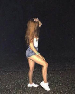 poses en la calle de noche tumblr casuales