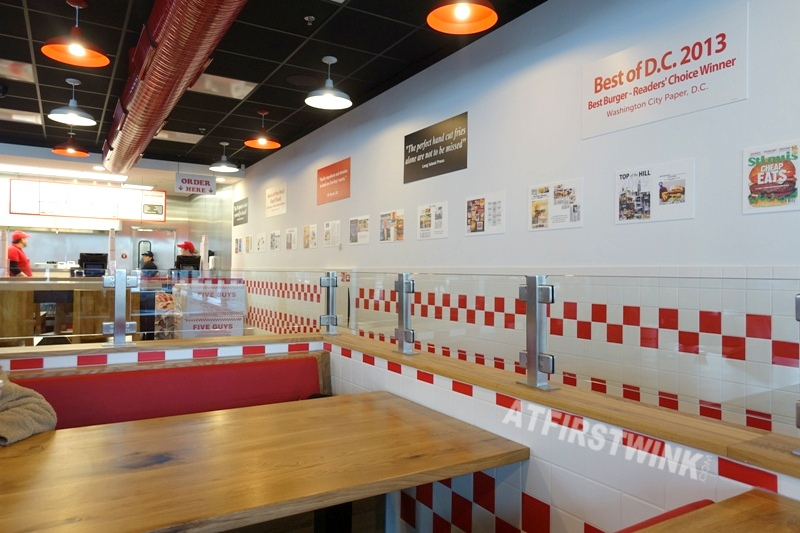 Utrecht Centraal Station Five Guys burger restaurant counter order