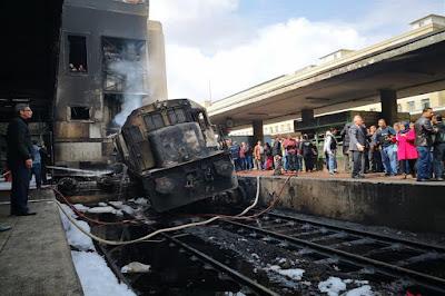 النائب العام يأمر بالتحقيق فى حادث حريق قطار داخل محطة مصر برمسيس