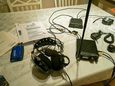 Kokonaisuuden ja osakomponenttien kytkemistä ja suunnittelua portable QRP-asemalleni