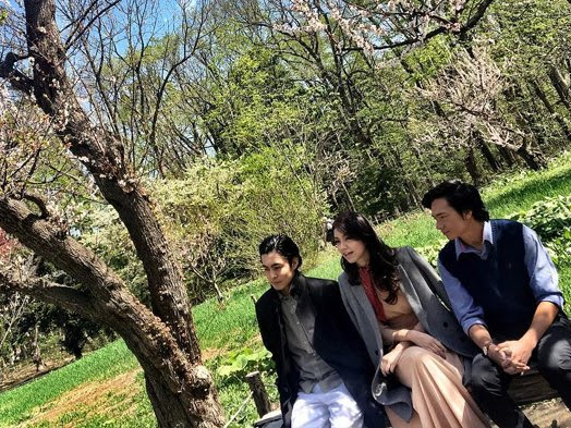 Menikmati  Sajak Indah Sapardi dalam Film Hujan Bulan Juni