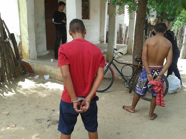 menores-sao-apreendidos-comercializando-drogas-em-Limoeiro