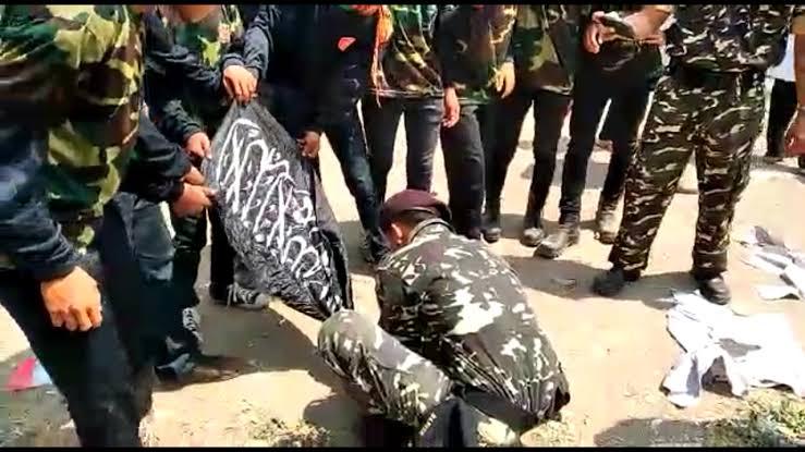 Konyol, Abu Janda Sebut Pembakaran Bendera Tauhid Adalah Hal Biasa