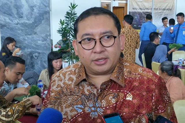Hidupnya Seperti Hanya Untuk Buruk Sangka! Jokowi Tunjuk 4 Stafsus Baru, 'Kelojotan' Fadli Zon Komentar ....
