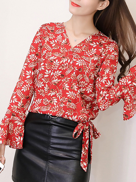 https://www.fashionmia.com/Products/spring-summer-polyester-women-surplice-bowknot-floral-printed-bell-sleeve-long-sleeve-blouses-211374.html