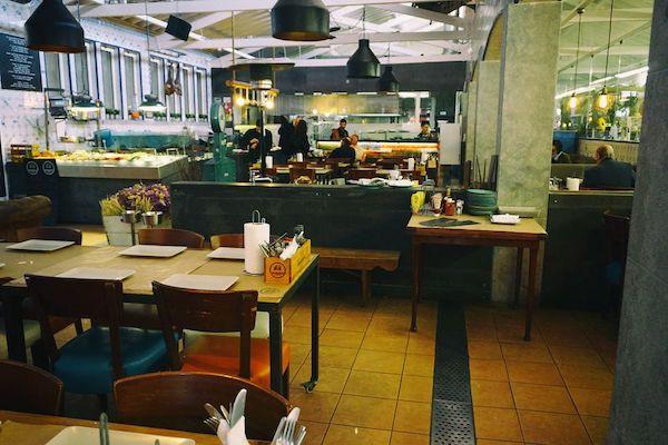 カスカイス魚市場に隣接するレストラン