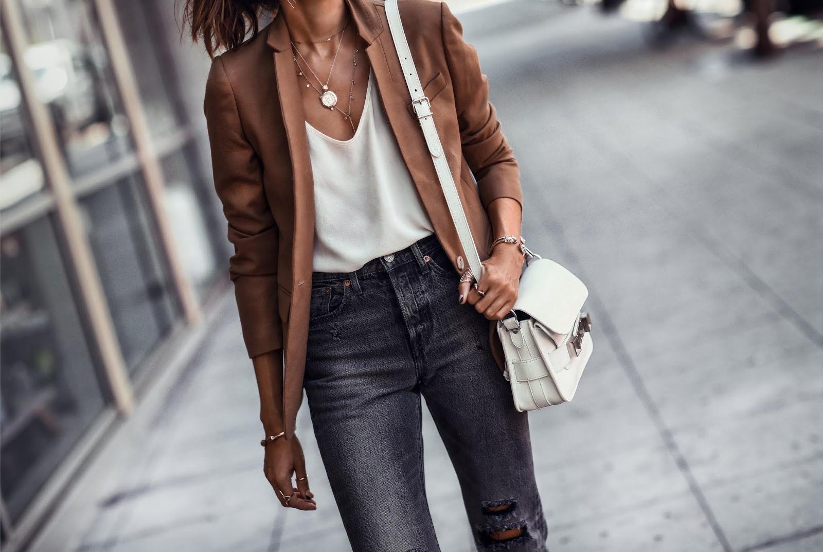 Porady stylisty: Jak ubierać się w okresie przejściowym?