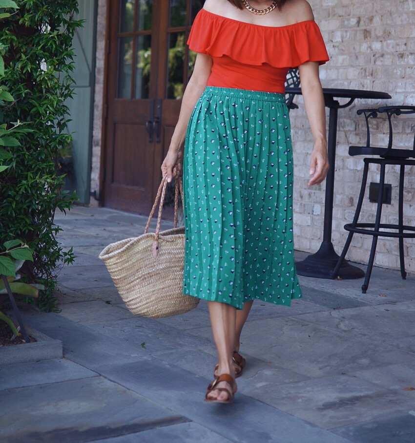 Red and green street style