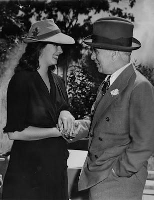 Уна О'Нил и Чарльз Чаплин в день свадьбы, 16 июня 1943 г.