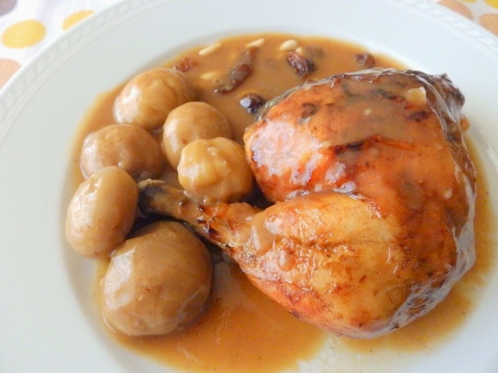 Pollo al horno con castañas y pasas