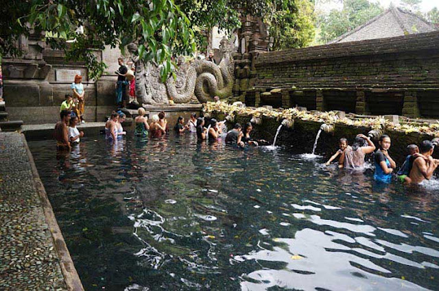 tirta empul,pura tirta empul,tirta empul temple,tirta,empul,bali,tirtha empul,tirta empul bali,templo tirta empul,tirta empul water tempel review,templo de tirta empul,bathing at tirta empul,ritual pura tirta empul,tirta empul water temple,pura tirta empul horario,tirta empul ubud bali guide,temple,the holy springs of tirta empul,travel