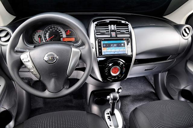 Novo Nissan March 2017 Automático CVT - painel