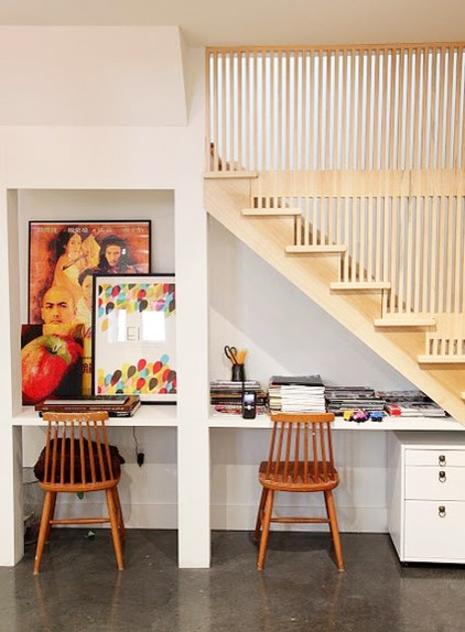 solution gain de place un bureau sous l'escalier