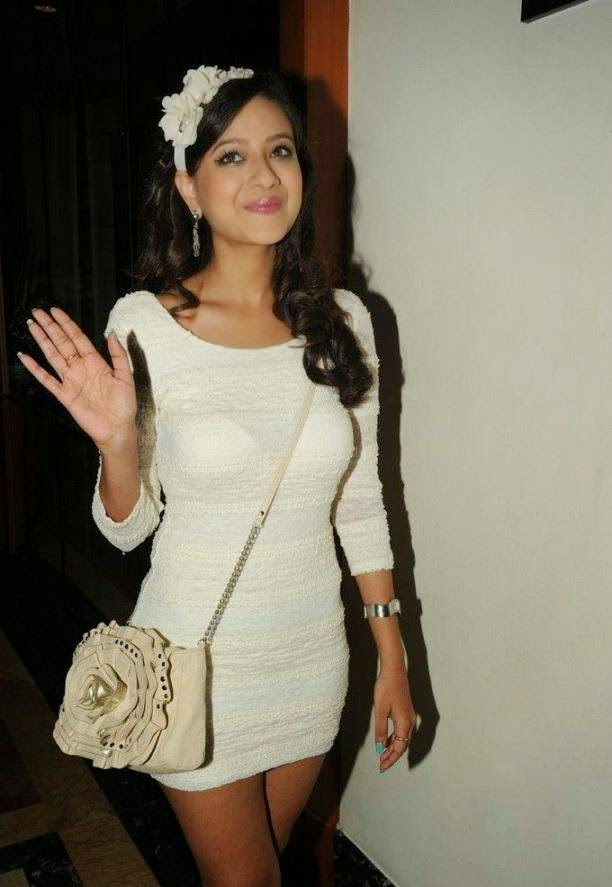 madalasa sharma bra visible, Actress Madalasa Sharma White tight Dress Hot Photos