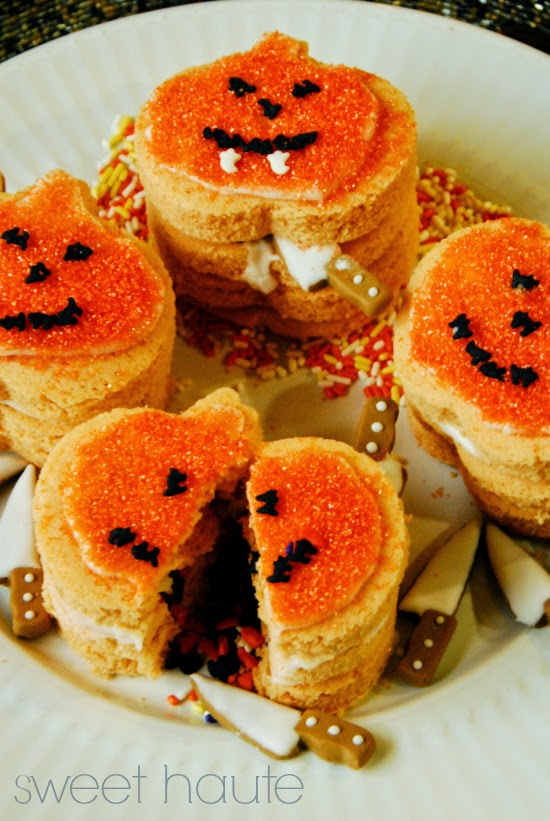 http://sweethaute.blogspot.com/2014/09/3d-pumpkin-diy-cookie-tutorial.html