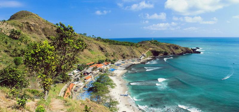 5 Wisata Pantai Jawa Tengah Yang Harus Dikunjungi Tempat