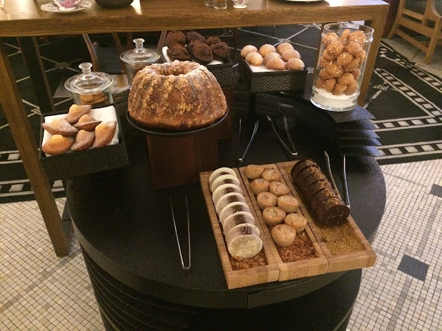 Dessert cart at the Prince de Galles, Paris