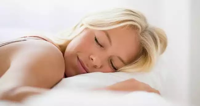 Έρευνα: Πώς διαταράσσεται η σχέση ύπνου και «αποθήκευσης» αναμνήσεων με την πάροδο των ετών