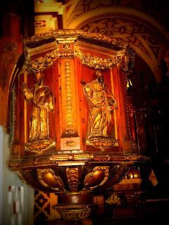 Trabalhos em Madeira, no Interior da Iglesia de San Francisco, em Lima