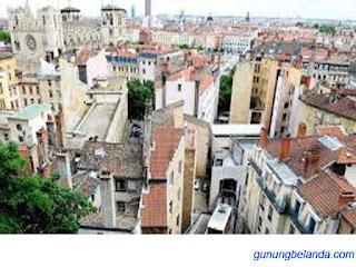 Apakah Lyon Adalah Kota di Perancis?