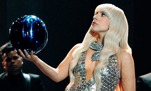 Lady+Gaga+Koons+Ball.png