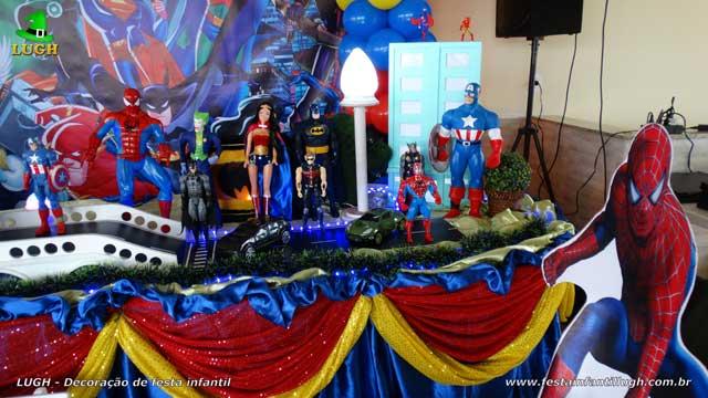 Decoração Super Heróis para festa de aniversário - Mesa decorada luxo