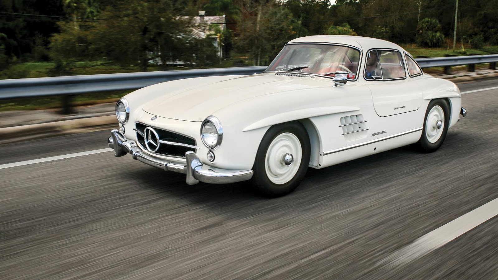 1955 Mercedes-Benz 300 SL Gullwing: $1,265,000