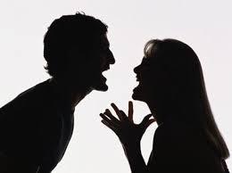 Vamos entender o significado de Discussão ou brigar