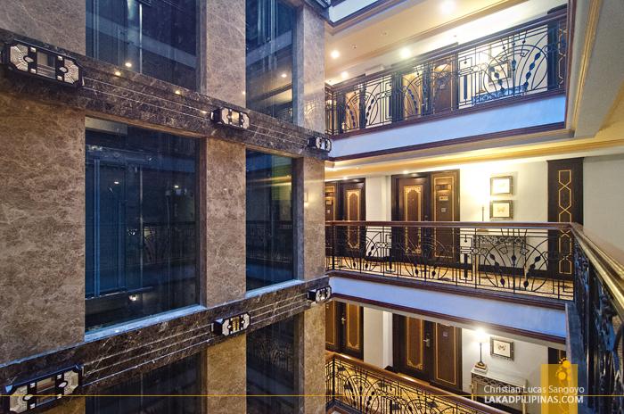 Herald Suites Polaris Makati Atrium