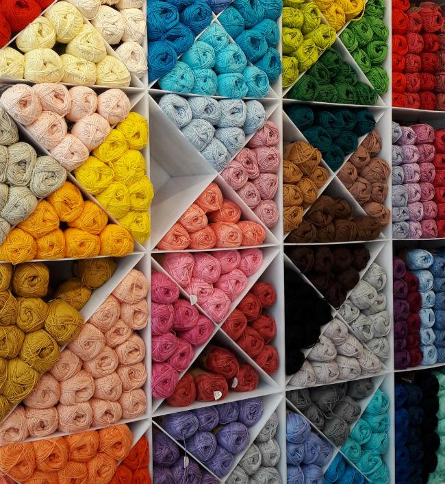 Sticks & Cups, Yarn shop in Utrecht   Happy in Red