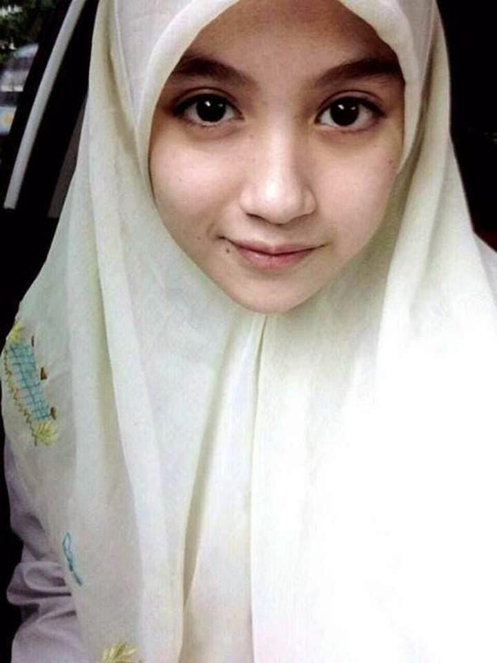 30 Foto Gadis Berjilbab Cantik Paling Menarik 2017
