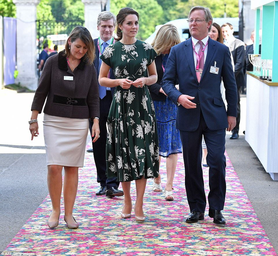 Kate Middleton wears floral green dress to the Chelsea Flower Show