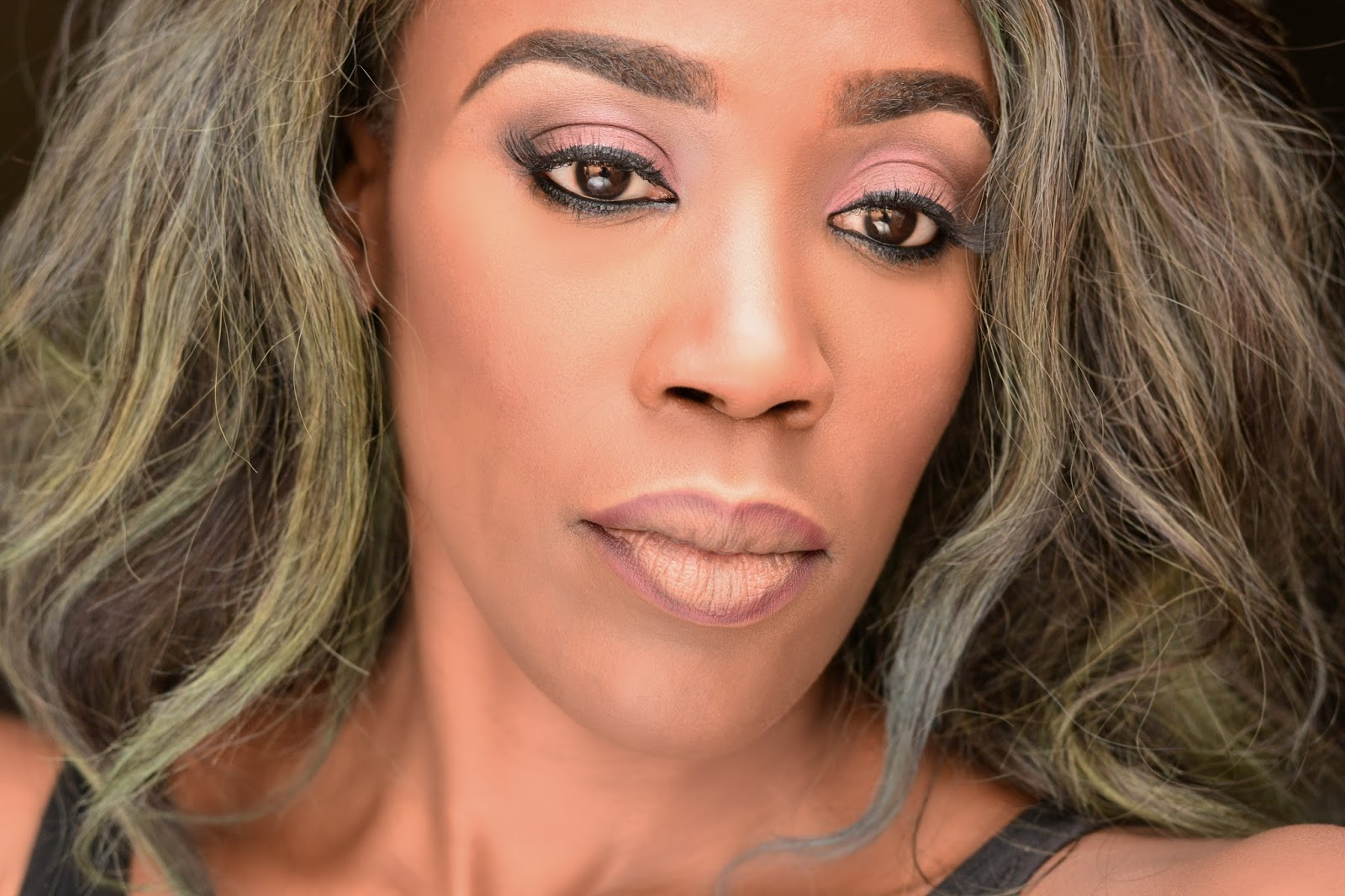 Tiwa Savage Standing Ovation featuring Olamide