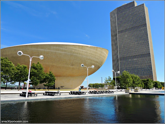 The Eggs Performing Arts Center en el Empire State Plaza, Albany