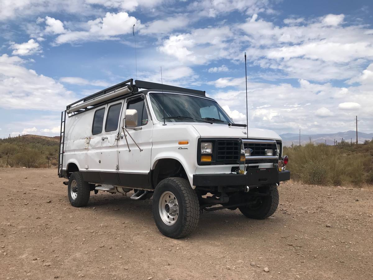 Drive 4wd fuel gas paint color white size full size title status clean transmission automatic 1991 ford rare to find 4x4 advanture van