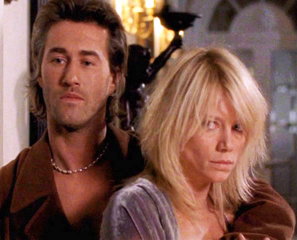 Doux Reviews: La Femme Nikita: Man in the Middle