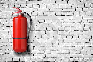 tabung pemadam kebakaran di gantung