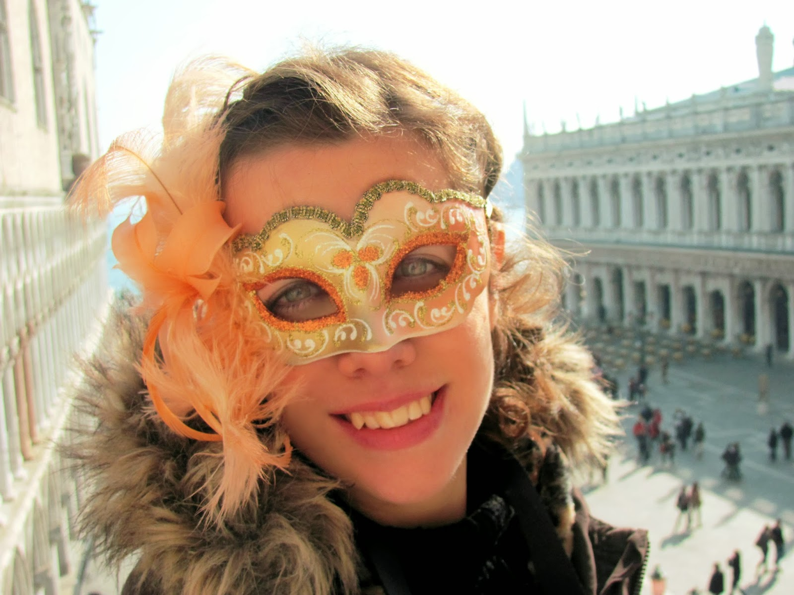 http://s-fashion-avenue.blogspot.it/2014/03/carnival-in-venice-part-3.html