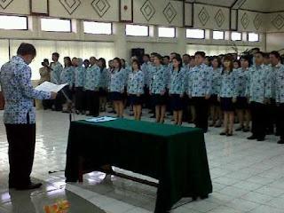 jobsinpt.blogspot.com/2012/05/dicari-130000-cpns-yang-kompeten-siap.html