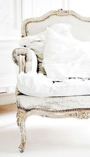 Shabby chic on friday:  total white
