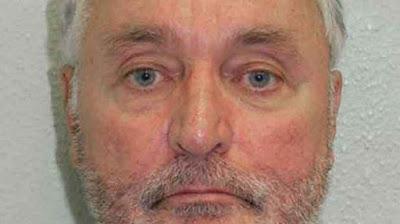 Un profesor de inglés de 70 años detenido por abusar  de decenas de niños