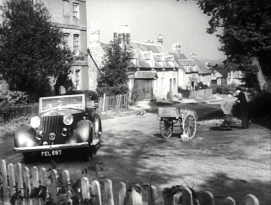 Bell Lane, Bell Bar, pictured in 1950 in Last Holiday  Screen grab taken from the film courtesy of the Peter Miller Collection