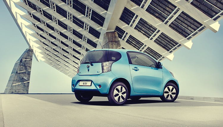 New Toyota IQ EV For Black Concept And Blue Body