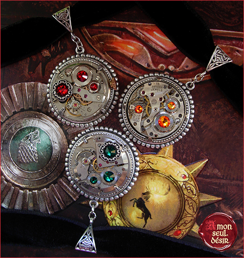 colliers steampunk bijoux victoriens ras du cou velours mecanisme montre mecanique mouvements engrenages rouages clockjewelry clockwork necklaces watch watchwork chokers