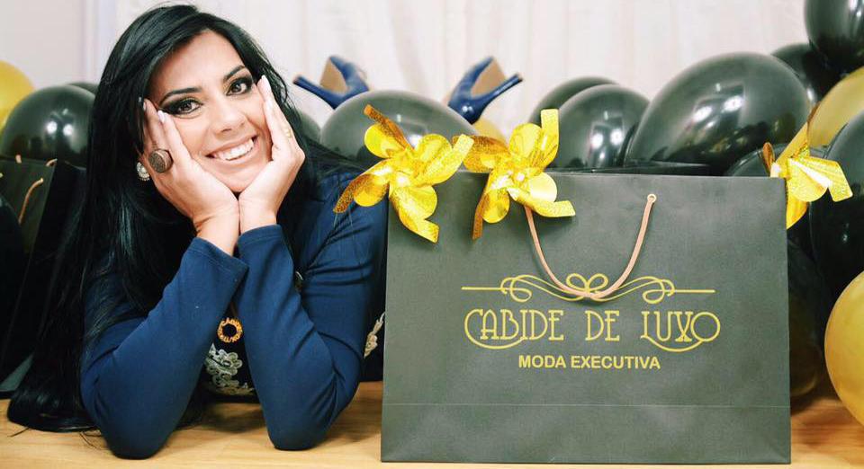 Cabide de Luxo loja para você comprar roupas femininas no varejo