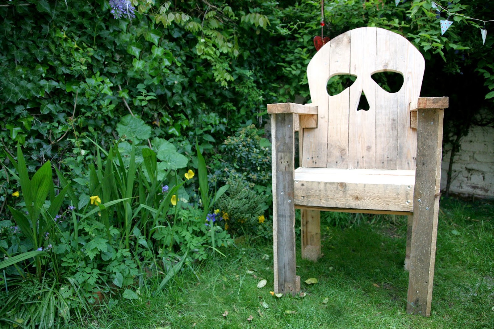 Wooden Skull Chair Antique Tiger Oak Rocking How To Make A Creepy Halloween Pamper And Curves