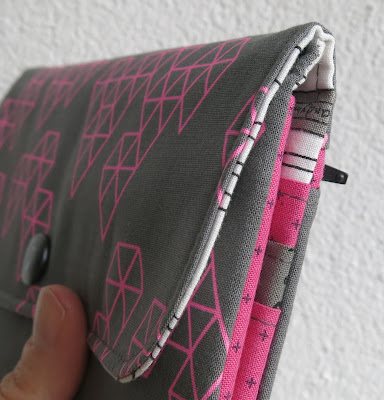 Luna Lovequilts - Wallet - Pattern by SLO Studio