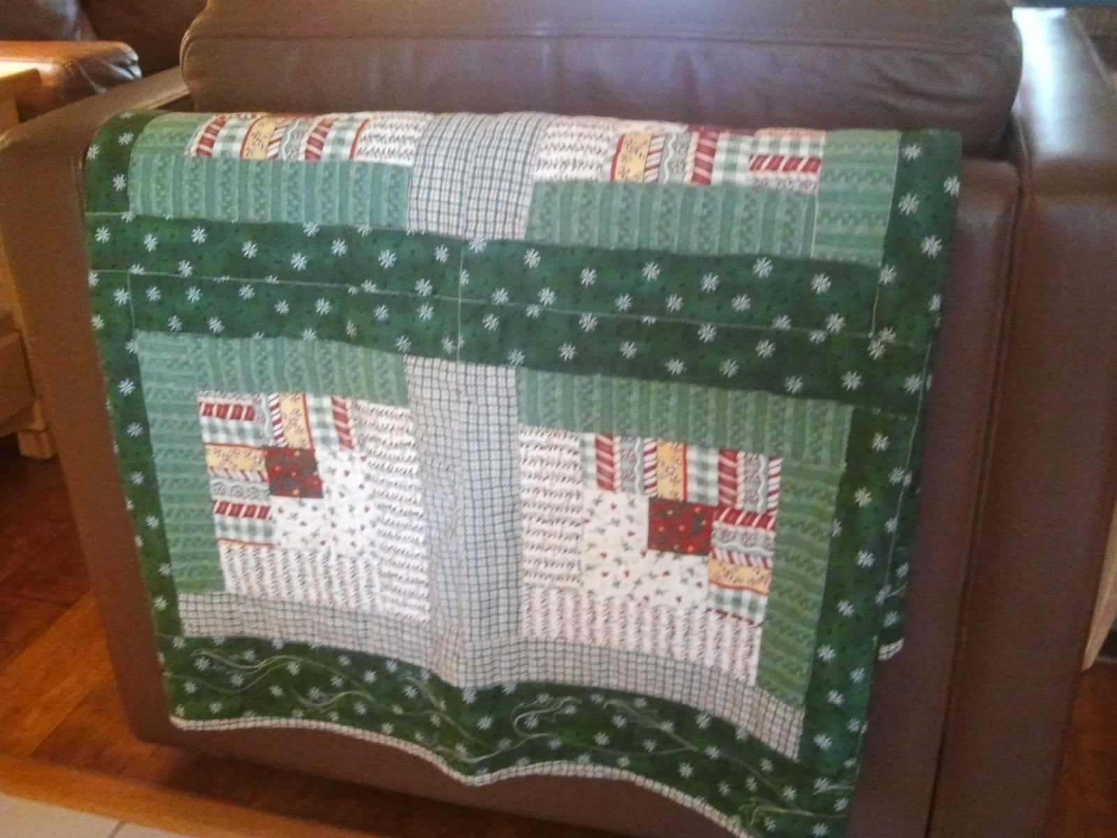 Quilting Blog Cactus Needle Quilts Fabric And More Denise S Christmas Quilts