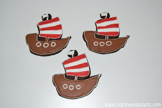 galletas de barco vikingo decoradas con glasa