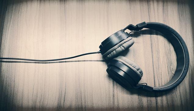 Cara Menggunakan Headphone Berkabel pada iPhone